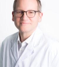 médecin spécialiste en dermatologie